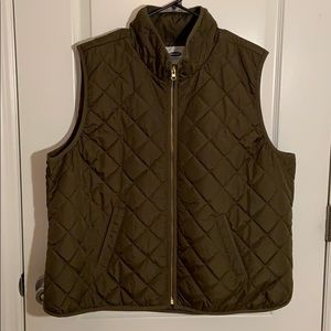 Old Navy quilted green vest